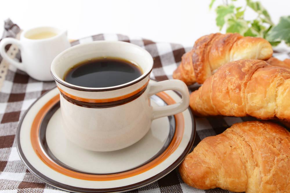 Pan y café del de toda la vida