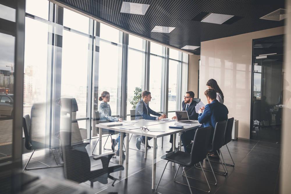 Internet, el mejor medio para encontrar y contratar lugares de reunión